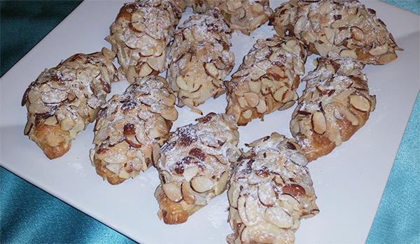 double-baked-almond-croissants-300dpi-600px